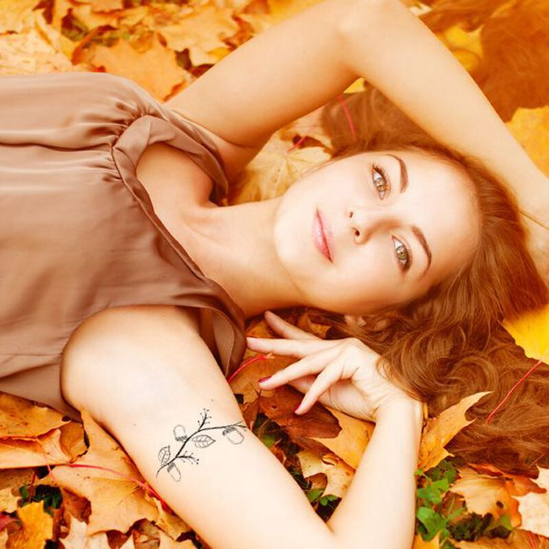 Autumn Acorn Armband Temporary Tattoo image number null